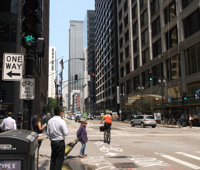 Cycletrack with narrow lanes.